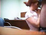 Oralsex och kön på kontoret med chefen